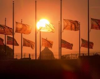 flags at half staff in Washington, DC September 17, 2013